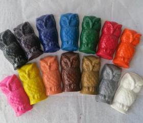 Owl Crayon Set of 56 in 14 Crayola Colors